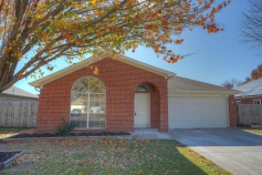 3617 Garden Springs Drive, Fort Worth, TX