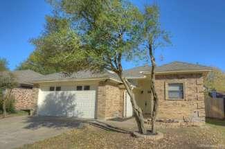 5541 Silver Maple Drive, Arlington, TX