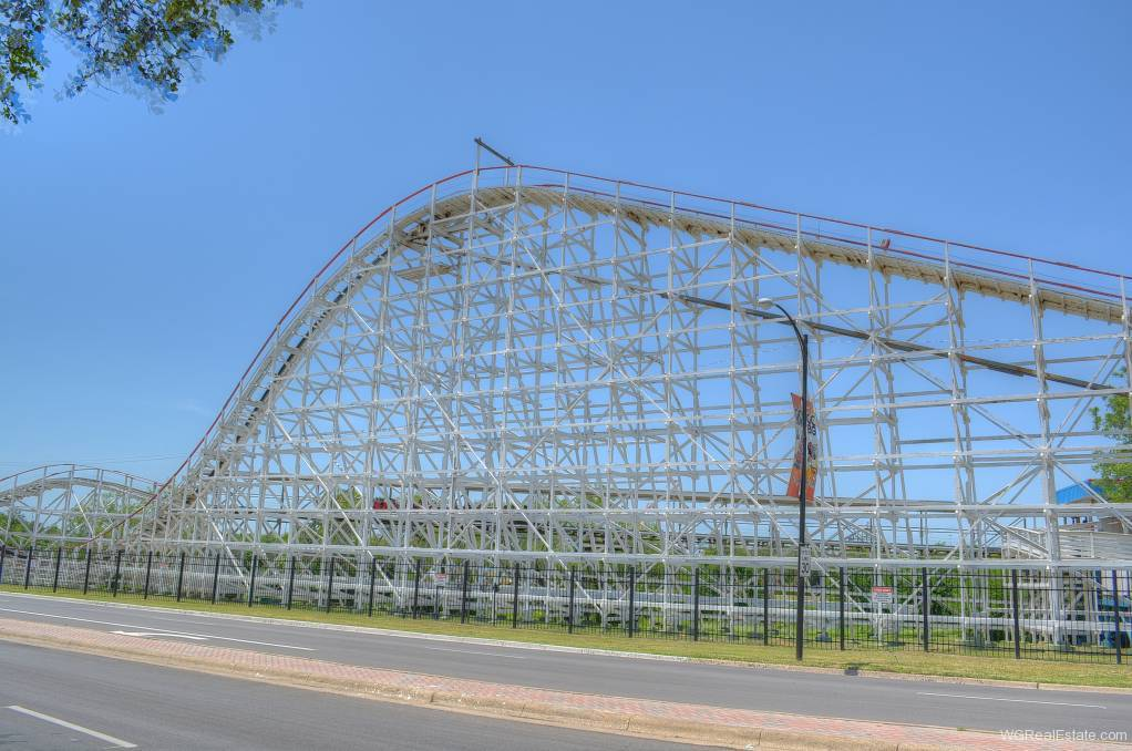 Six Flags over Texas at Arlington